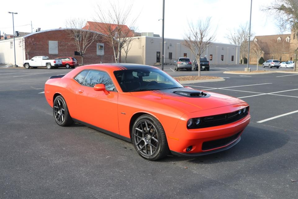 Used 2018 Dodge CHALLENGER R/T Plus Shaker RWD W/NAV R/T PLUS SHAKER for sale Sold at Auto Collection in Murfreesboro TN 37130 1