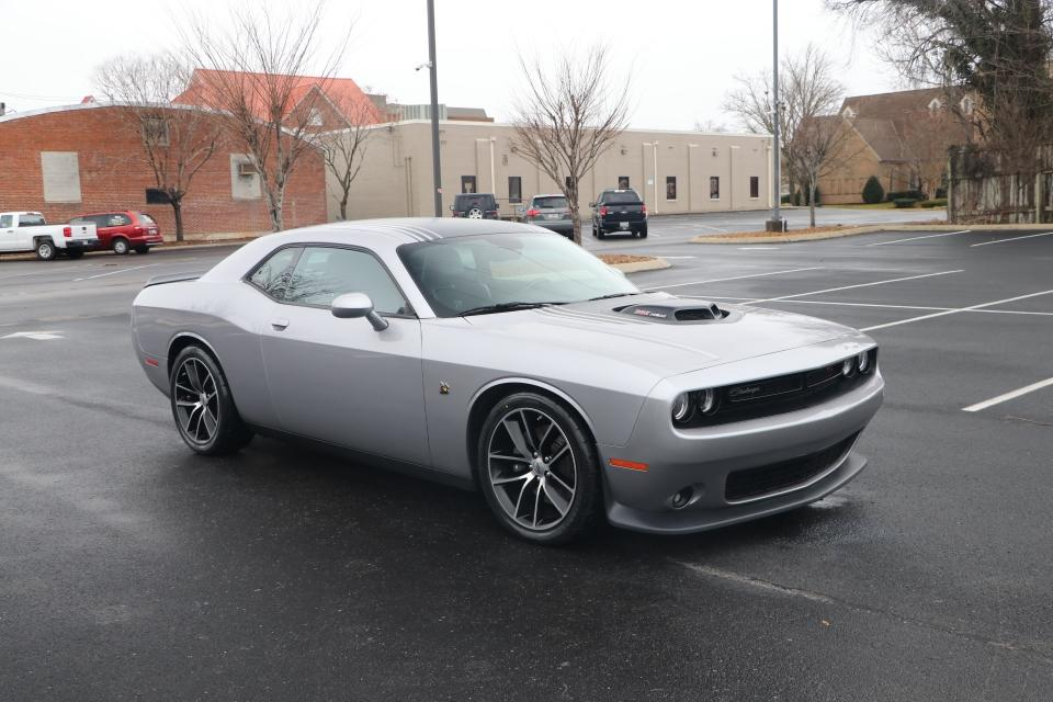 Used 2017 Dodge CHALLENGER 392 RT HEMI SCAT PACK SHAKER RWD R/T SCAT PACK for sale $35,950 at Auto Collection in Murfreesboro TN 37130 1
