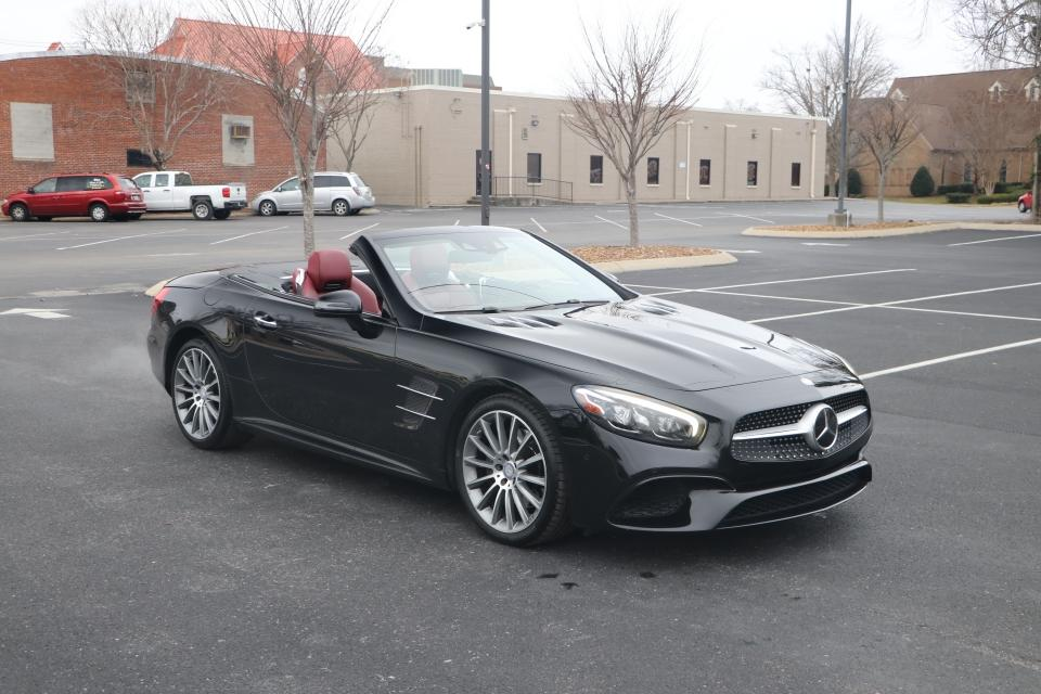 Used 2017 Mercedes-Benz SL550 ROADSTER RWD W/NAV for sale $56,950 at Auto Collection in Murfreesboro TN 37130 1