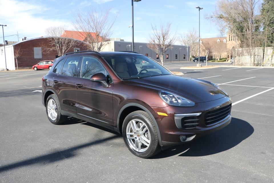 Used 2016 Porsche CAYENNE PREMIUM PLUS AWD W/NAV BASE for sale Sold at Auto Collection in Murfreesboro TN 37130 1