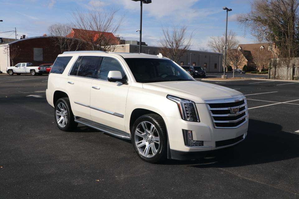 Used 2015 Cadillac ESCALADE LUXURY 4WD W/NAV LUXURY 4WD for sale Sold at Auto Collection in Murfreesboro TN 37130 1