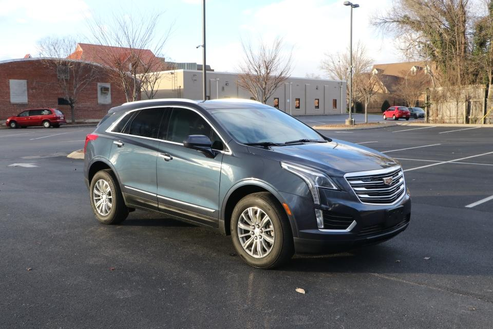 Used 2018 Cadillac XT5 LUXURY FWD W/NAV LUXURY for sale Sold at Auto Collection in Murfreesboro TN 37130 1