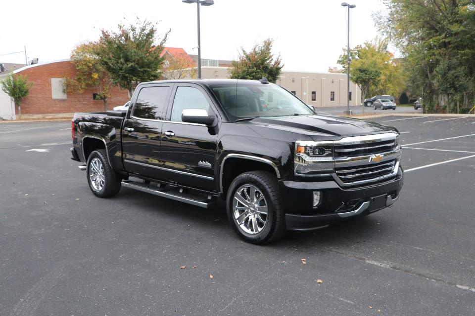 Used 2018 Chevrolet SILVERADO 1500 HIGH COUNTRY CREW CAB W/NAV HIGH COUNTRY CREW CAB SHORT BOX 4WD for sale Sold at Auto Collection in Murfreesboro TN 37130 1