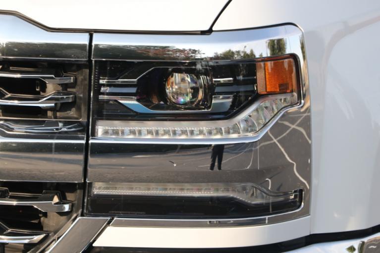 Used 2017 CHEVROLET SILVERADO 1500 LTZ W/1LZ CREW CAB 4X4 W/NAV LTZ w/1LZ for sale Sold at Auto Collection in Murfreesboro TN 37130 8