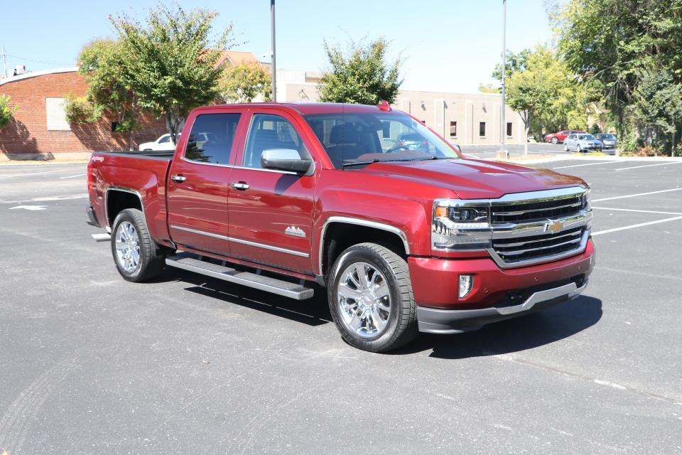 Used 2017 Chevrolet SILVERADO 1500 HIGH COUNTRY CREW CAB 4x4 W/NAV HIGH COUNTRY CREW CA for sale $42,500 at Auto Collection in Murfreesboro TN 37130 1