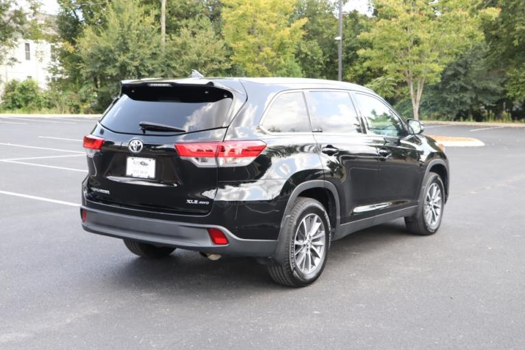 Used 2019 Toyota HIGHLANDER XLE AWD W/NAV for sale Sold at Auto Collection in Murfreesboro TN 37130 3