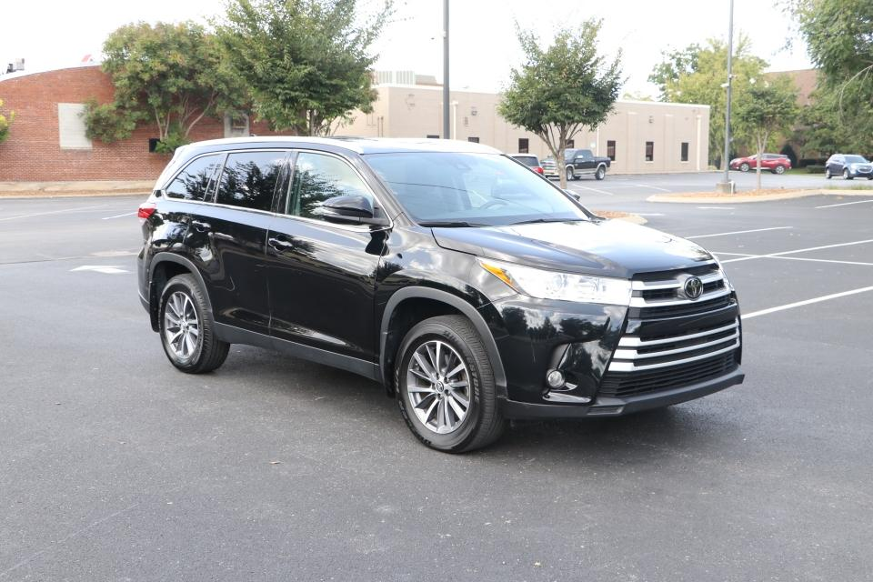 Used 2019 Toyota HIGHLANDER XLE AWD W/NAV XLE AWD V6 for sale $31,750 at Auto Collection in Murfreesboro TN 37130 1