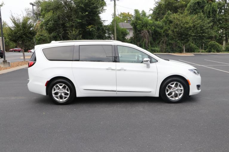 Used 2020 Chrysler PACIFICA Limited w/NAV for sale Sold at Auto Collection in Murfreesboro TN 37130 8