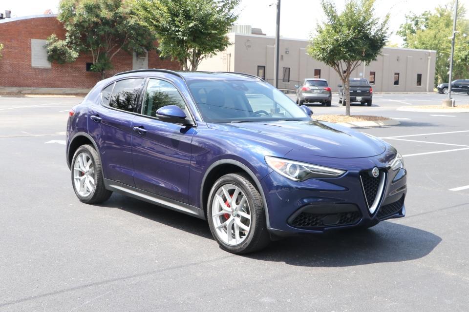 Used 2018 Alfa_Romeo STELVIO SPORT AWD W/NAV SPORT for sale Sold at Auto Collection in Murfreesboro TN 37130 1