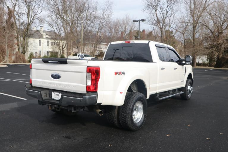 Used 2017 Ford F350 LARIAT SD 176'' CREW CAB 4X4 W/NAV LARIAT CREW CAB LONG BED DRW 4WD for sale Sold at Auto Collection in Murfreesboro TN 37130 3