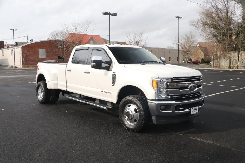 Used 2017 Ford F350 LARIAT SD 176'' CREW CAB 4X4 W/NAV LARIAT CREW CAB LONG BED DRW 4WD for sale Sold at Auto Collection in Murfreesboro TN 37130 1