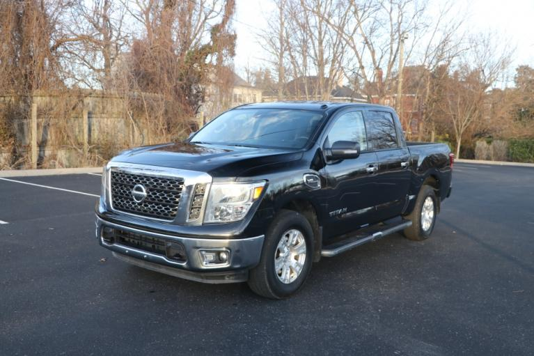 Used 2017 Nissan TITAN 4WD CREW CAB W/NAV SV CREW CAB 4WD for sale Sold at Auto Collection in Murfreesboro TN 37130 2