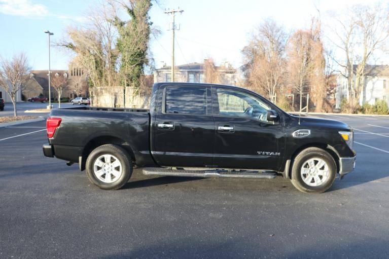 Used 2017 Nissan TITAN 4WD CREW CAB W/NAV SV CREW CAB 4WD for sale Sold at Auto Collection in Murfreesboro TN 37130 8
