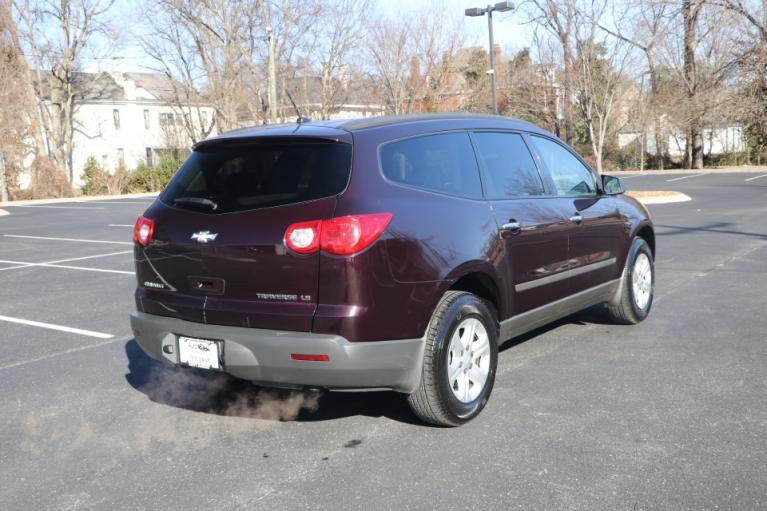 Used 2009 CHEVROLET TRAVERSE LS FWD  LT for sale $7,500 at Auto Collection in Murfreesboro TN 37130 3