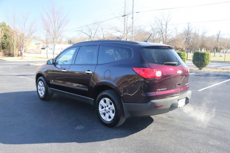 Used 2009 CHEVROLET TRAVERSE LS FWD for sale Sold at Auto Collection in Murfreesboro TN 37130 4