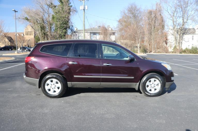 Used 2009 CHEVROLET TRAVERSE LS FWD for sale Sold at Auto Collection in Murfreesboro TN 37130 8
