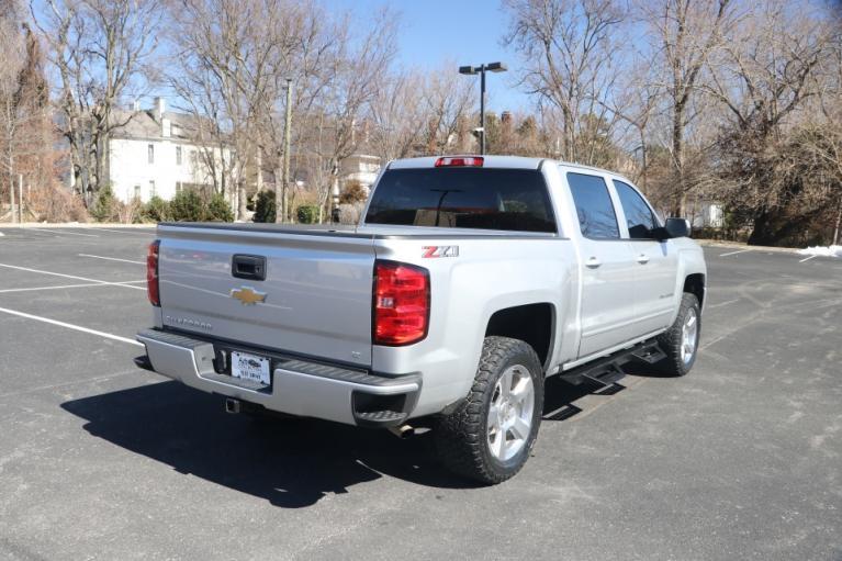 Used 2018 Chevrolet SILVERADO 1500 2LT Crew cab 4x4 2LT CREW CAB 4WD for sale $39,950 at Auto Collection in Murfreesboro TN 37130 3