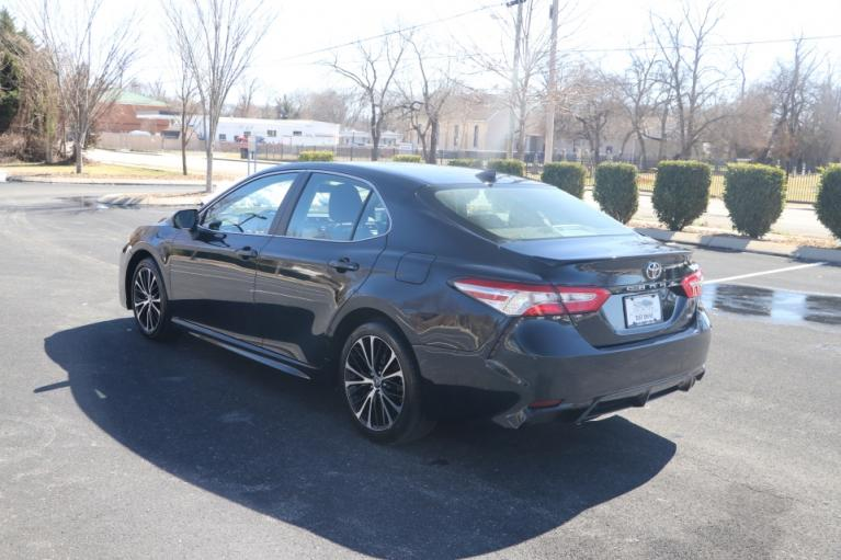 Used 2020 Toyota CAMRY SE FWD SE for sale Sold at Auto Collection in Murfreesboro TN 37130 4
