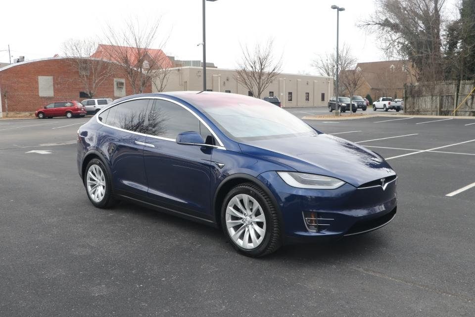 Used 2018 Tesla MODEL X 75D DUAL MOTOR AWD AUTO PILOT W/NAV for sale Sold at Auto Collection in Murfreesboro TN 37130 1