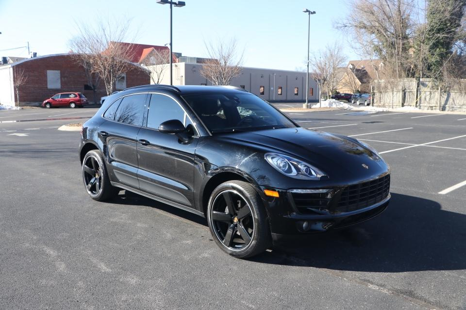 Used 2018 Porsche MACAN AWD W/NAV GTS for sale $49,950 at Auto Collection in Murfreesboro TN 37130 1