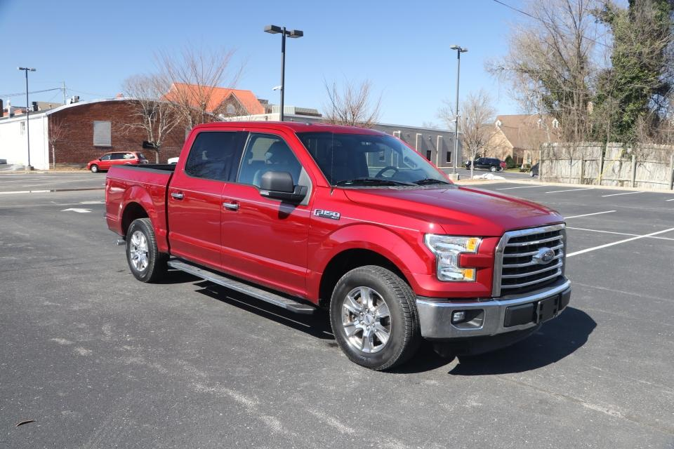 Used 2015 FORD F-150 XLT SUPERCREW 4x2 W/REAR VIEW CAMERA XLT SERIES for sale Sold at Auto Collection in Murfreesboro TN 37130 1