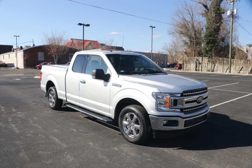 Used 2018 Ford F-150 XLT SUPERCAB 4X2 for sale $33,950 at Auto Collection in Murfreesboro TN 37130 1