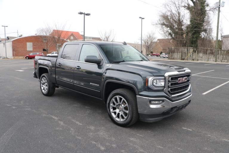 Used 2018 GMC SIERRA 1500 SLE CREW CAB 4X4 for sale Sold at Auto Collection in Murfreesboro TN 37130 1