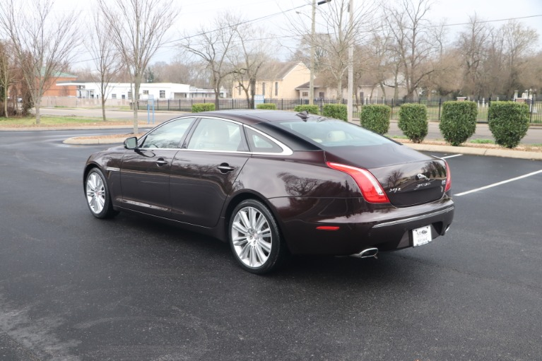 Used 2015 JAGUAR XJ PORTFOLIO PREMIUM EDITION W/NAV for sale Sold at Auto Collection in Murfreesboro TN 37130 4