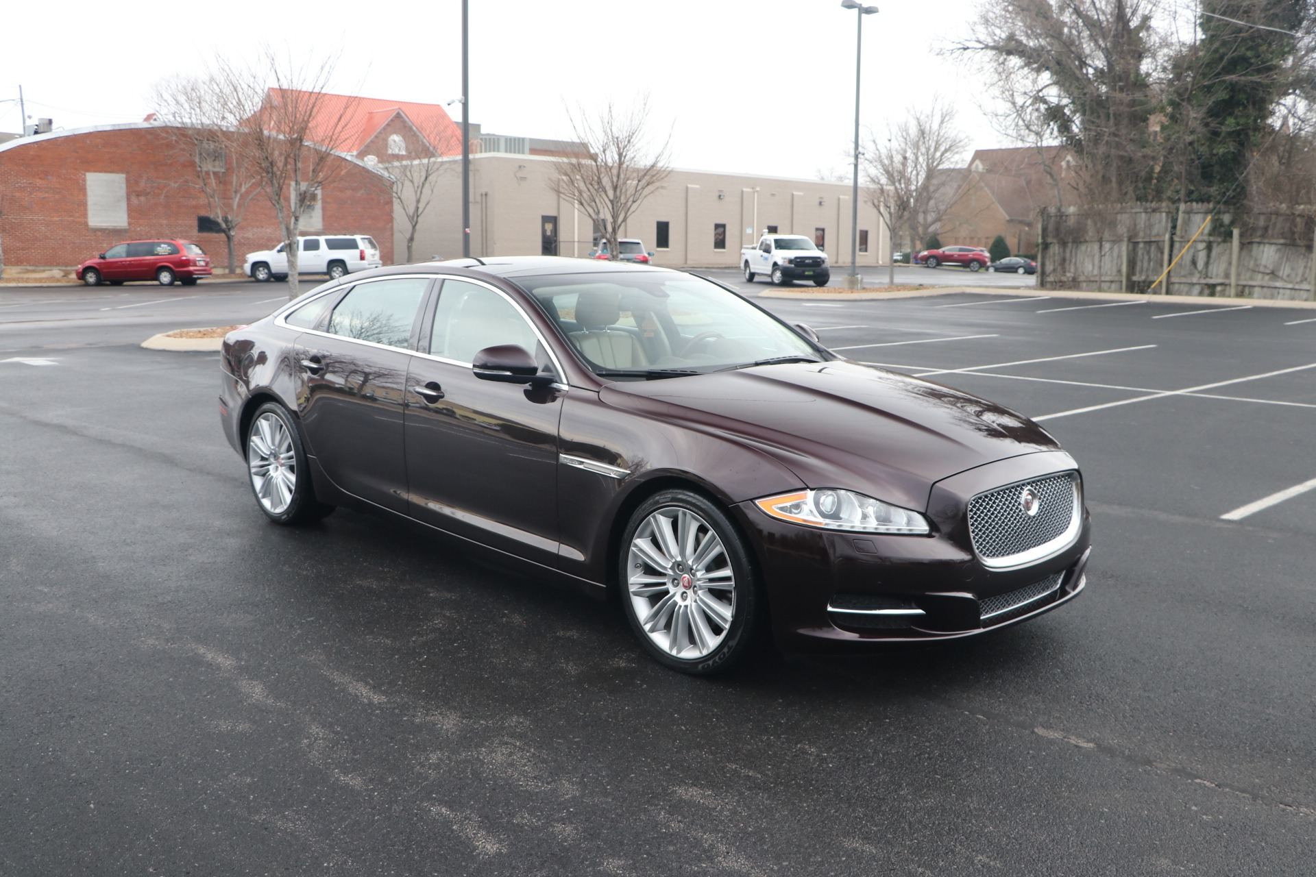 Used 2015 JAGUAR XJ PORTFOLIO PREMIUM EDITION W/NAV for sale Sold at Auto Collection in Murfreesboro TN 37130 1