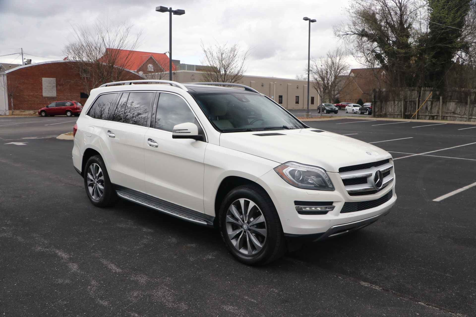 Used 2013 Mercedes-Benz GL450 GL 450 4MATIC for sale Sold at Auto Collection in Murfreesboro TN 37130 1