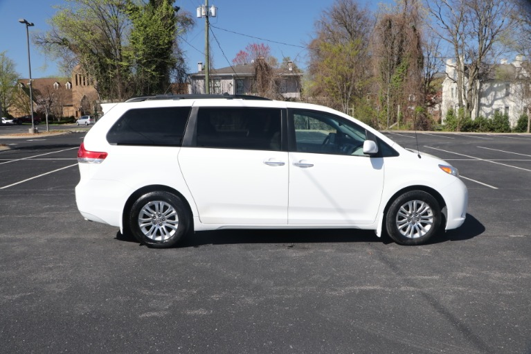 Used 2014 Toyota Sienna XLE FWD 8 PSGR W/NAV for sale Sold at Auto Collection in Murfreesboro TN 37130 8