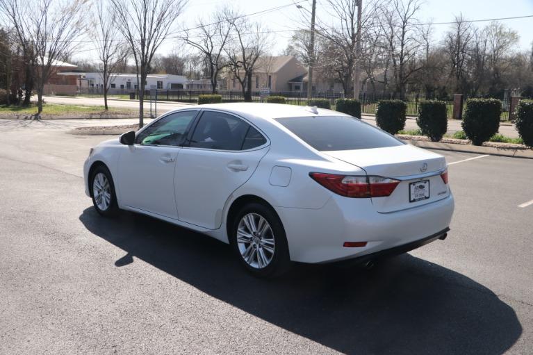 Used 2013 Lexus ES 350 PREMIUM W/NAV for sale Sold at Auto Collection in Murfreesboro TN 37130 4