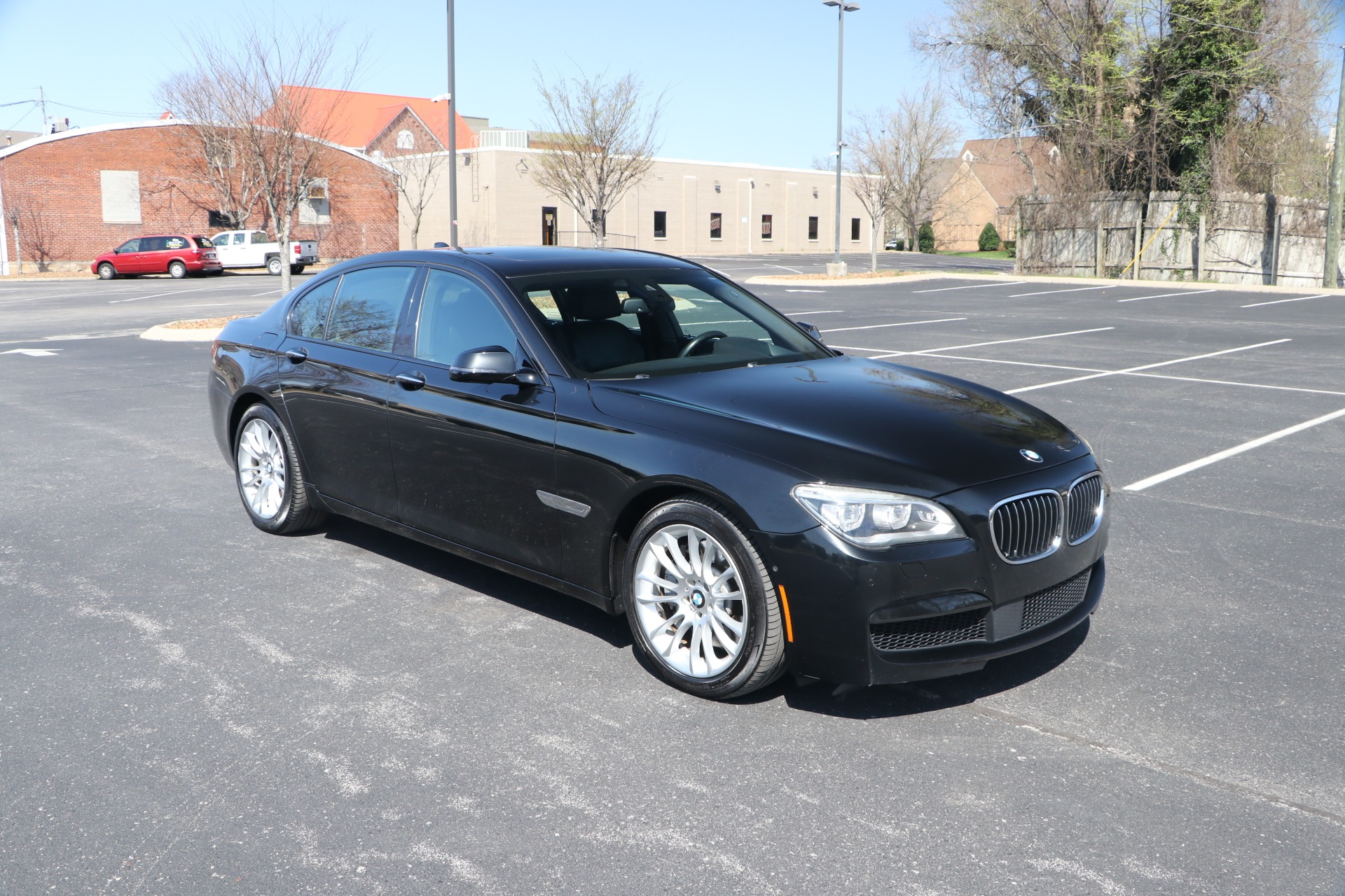 Used 2015 BMW 750I EXECUTIVE W NAV for sale $31,950 at Auto Collection in Murfreesboro TN 37130 1