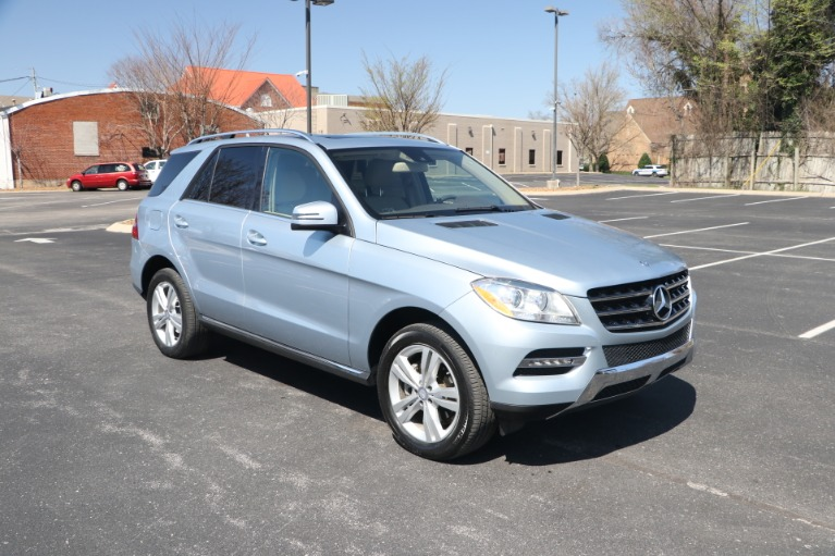 Used 2015 Mercedes-Benz ML 350 4MATIC PREMIUM W/NAV for sale Sold at Auto Collection in Murfreesboro TN 37130 1