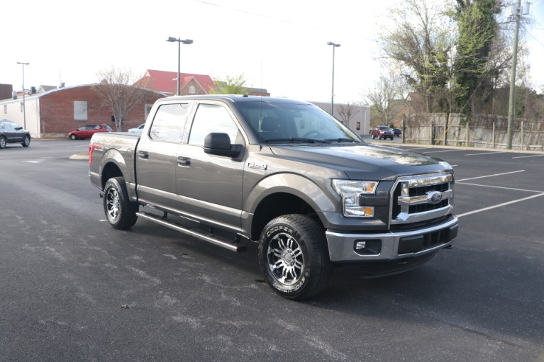 Used 2017 Ford F-150 XLT SUPERCREW 4X4 ECOBOOST for sale $29,950 at Auto Collection in Murfreesboro TN 37130 1