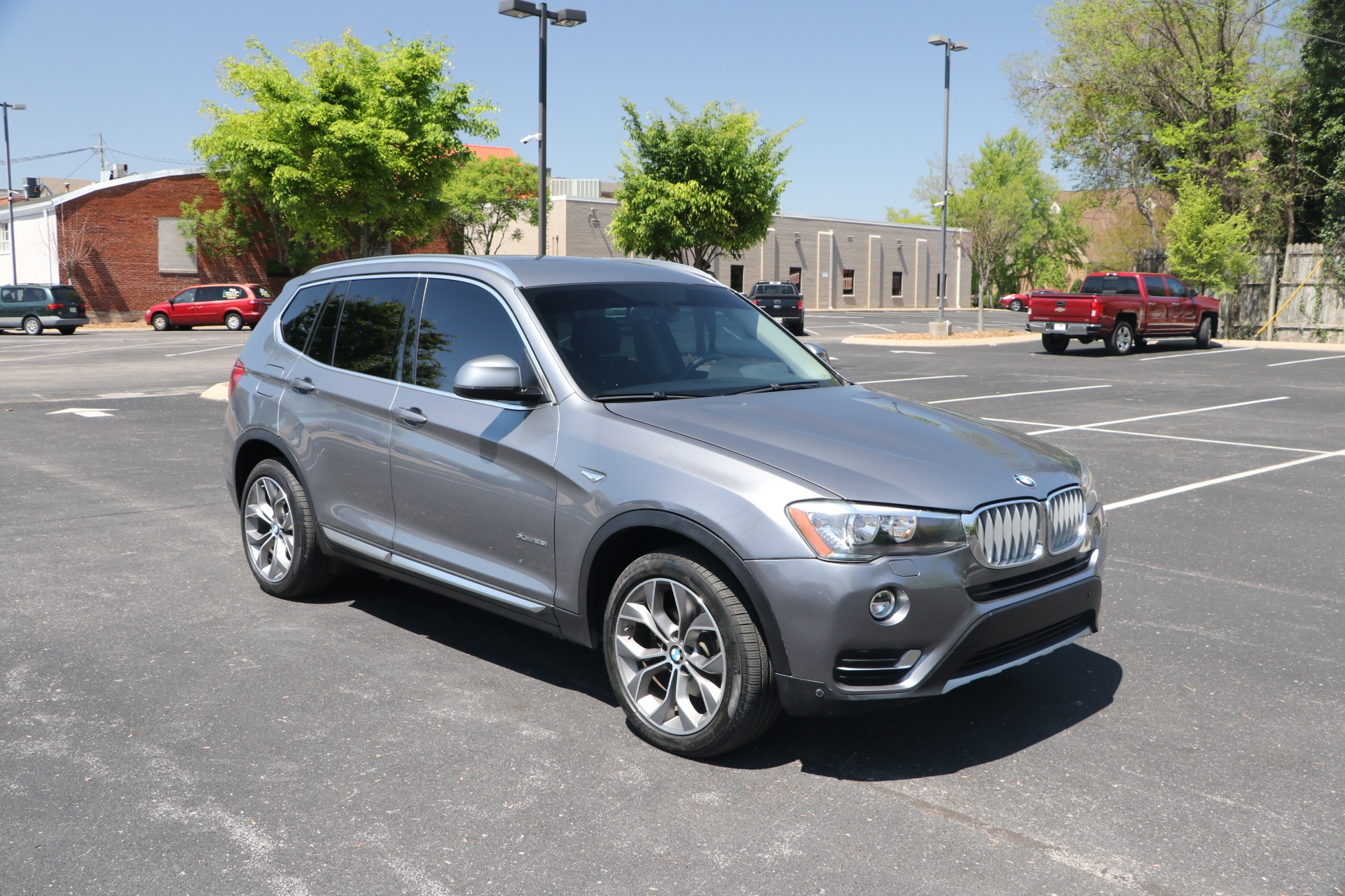 Used 2017 BMW X3 xDrive28i Sports Activity Vehicle w/NAV for sale $24,950 at Auto Collection in Murfreesboro TN 37130 1