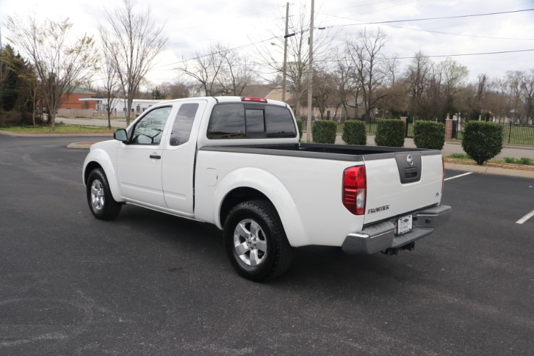 Used 2012 Nissan Frontier KING CAB SV for sale Sold at Auto Collection in Murfreesboro TN 37130 4