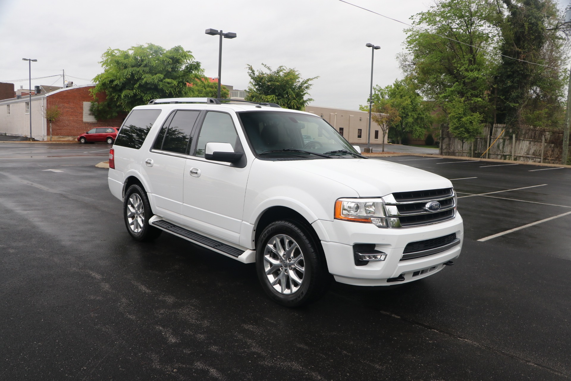 Used 2017 Ford Expedition LTD W/NAV for sale $28,950 at Auto Collection in Murfreesboro TN 37130 1