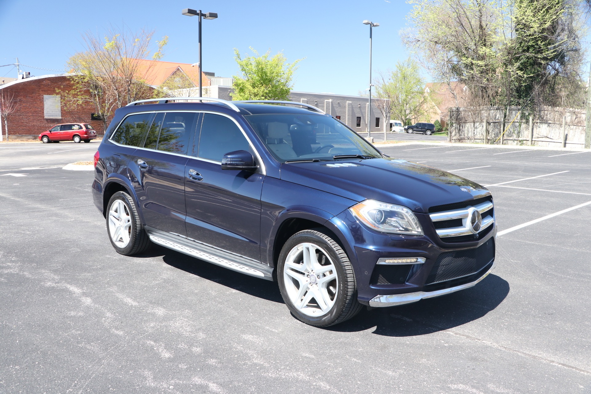 Used 2014 Mercedes-Benz GL550 4 MATIC W/NAV for sale $29,950 at Auto Collection in Murfreesboro TN 37130 1