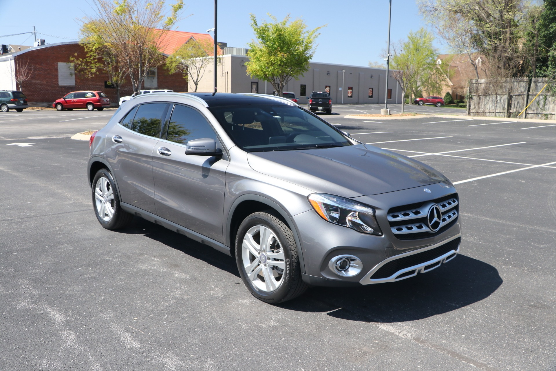 Used 2018 Mercedes-Benz GLA250 FWD PREMIUM W/PANORAMIC ROOF for sale Sold at Auto Collection in Murfreesboro TN 37130 1