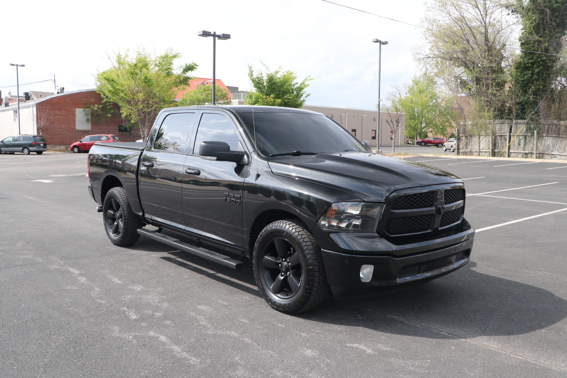 Used 2018 Ram 1500 BIG HORN CREW CAB 4X4 W/NAV for sale Sold at Auto Collection in Murfreesboro TN 37130 1