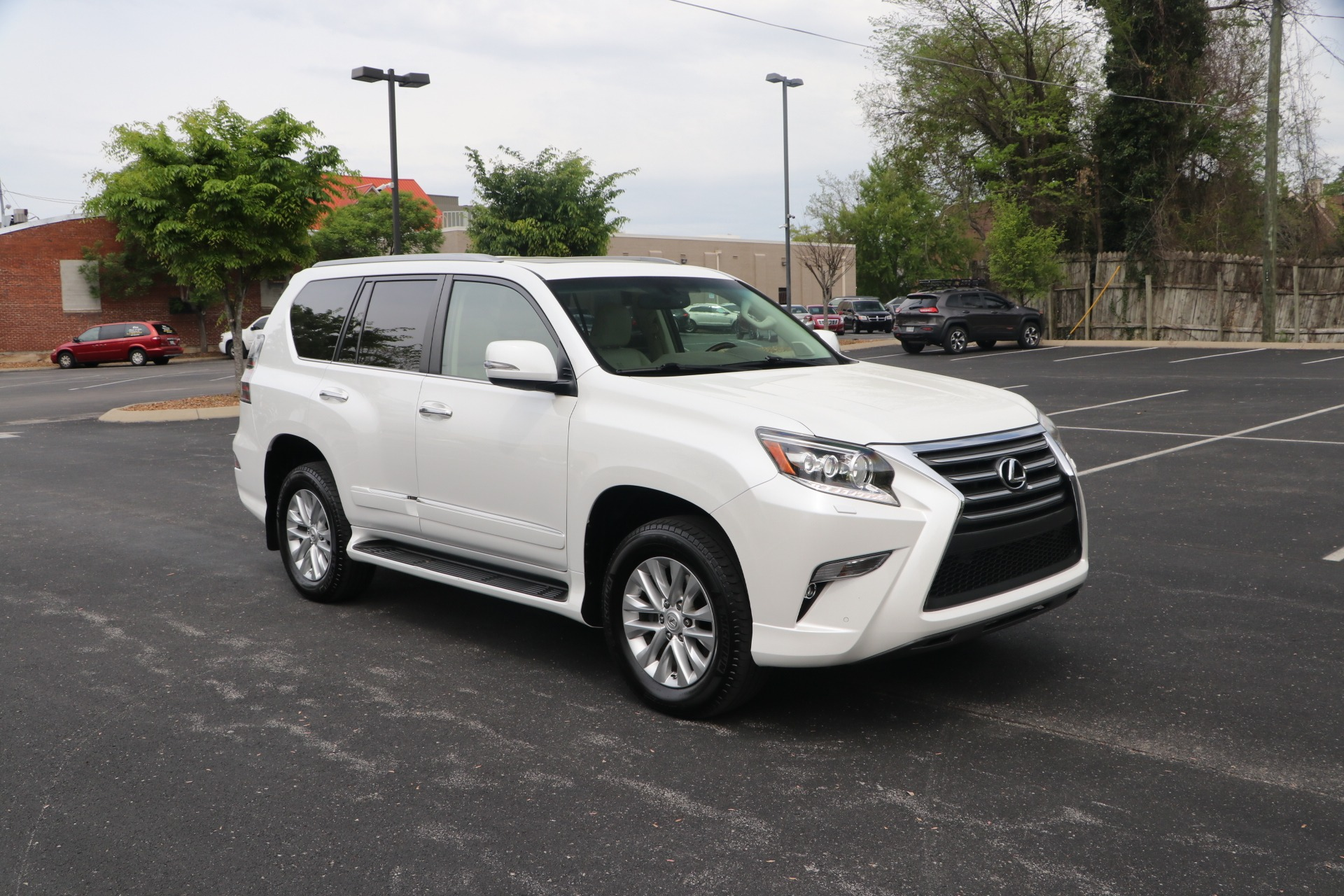 Used 2017 Lexus GX 460 PREMIUM AWD W/NAV for sale Sold at Auto Collection in Murfreesboro TN 37130 1
