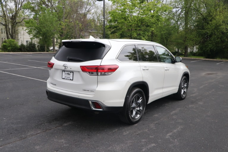 Used 2018 Toyota Highlander LIMITED PLATINUM AWD W/NAV for sale Sold at Auto Collection in Murfreesboro TN 37130 3