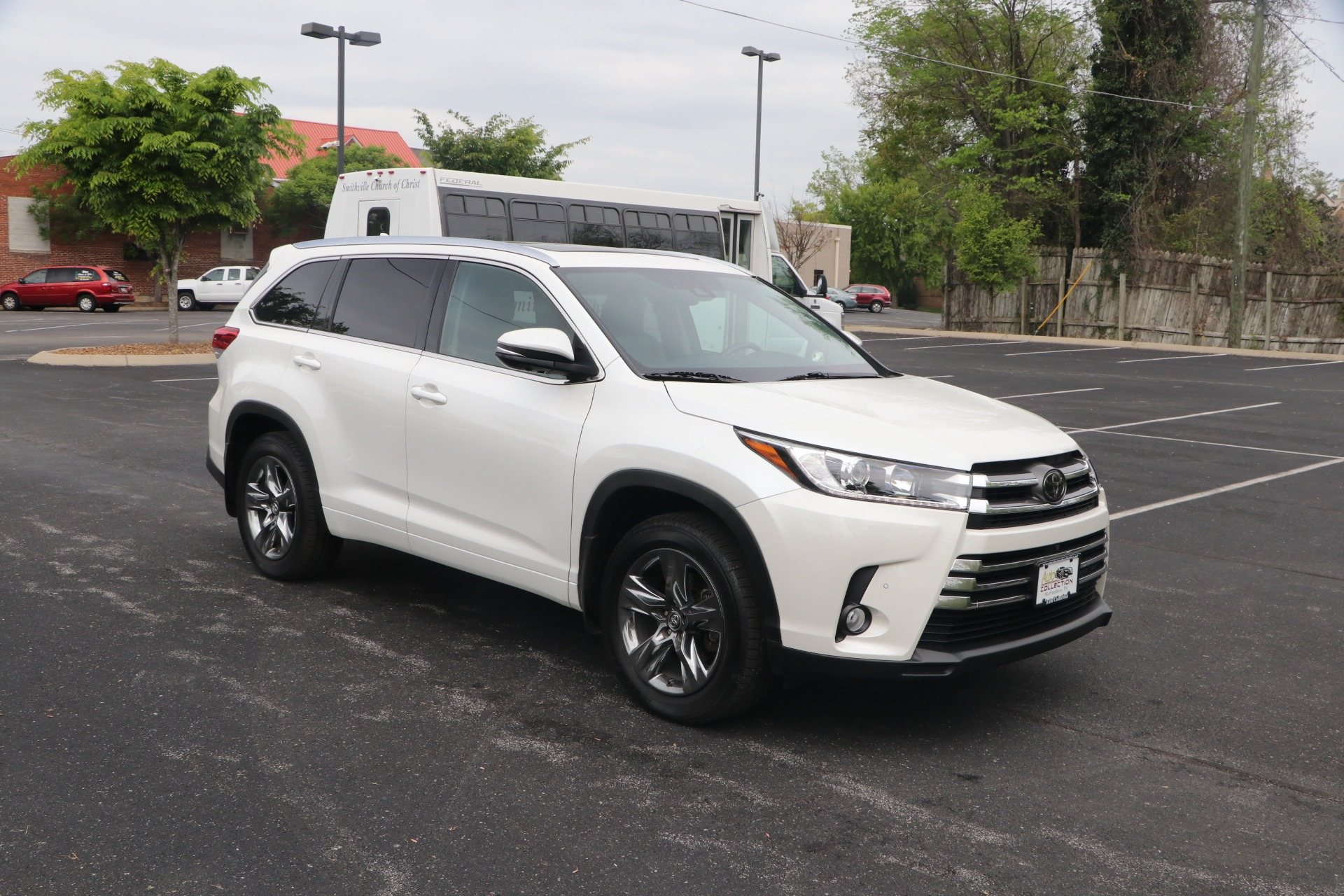 Used 2018 Toyota Highlander LIMITED PLATINUM AWD W/NAV for sale Sold at Auto Collection in Murfreesboro TN 37130 1