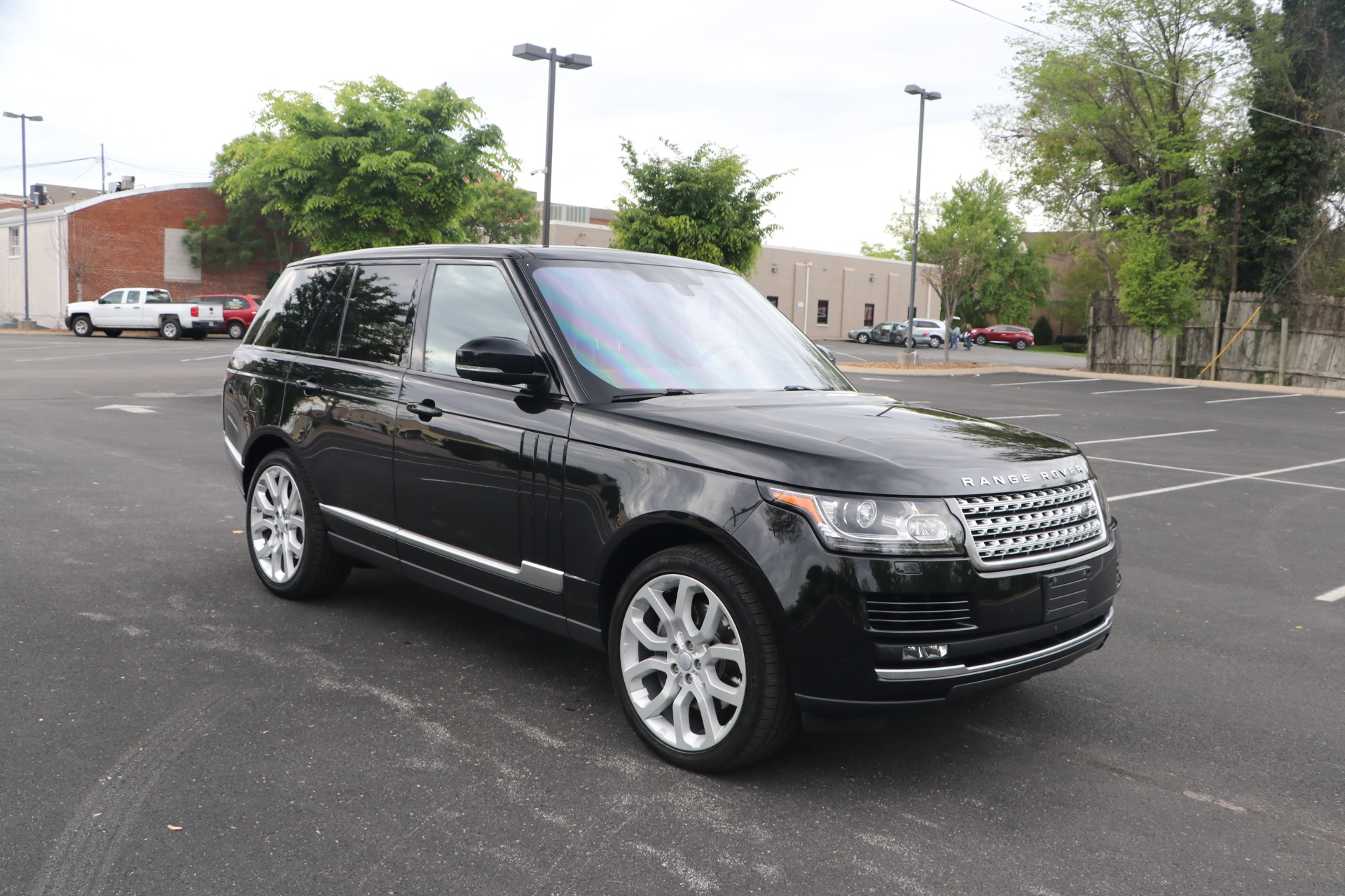 Used 2016 Land Rover Range Rover 5.0 SUPERCHARGED AWD W/NAV for sale $54,950 at Auto Collection in Murfreesboro TN 37130 1