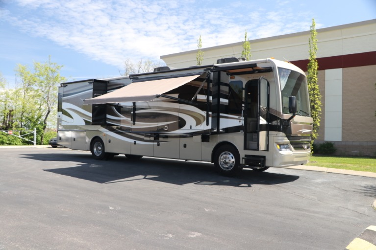 Used 2016 FREIGHTLINER pacearrow MOTORHOME for sale $167,950 at Auto Collection in Murfreesboro TN 37130 1