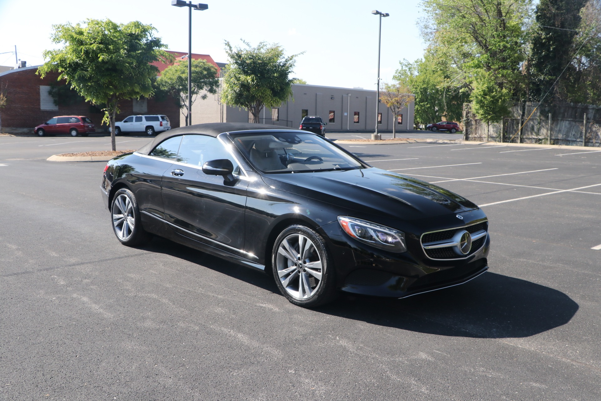 Used 2017 Mercedes-Benz S550 CABRIOLET PREMIUM W/NAV for sale $84,950 at Auto Collection in Murfreesboro TN 37130 1
