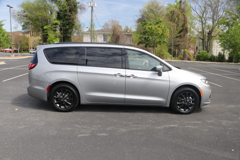 Used 2021 Chrysler Pacifica TOURING L FWD W/NAV for sale Sold at Auto Collection in Murfreesboro TN 37130 8