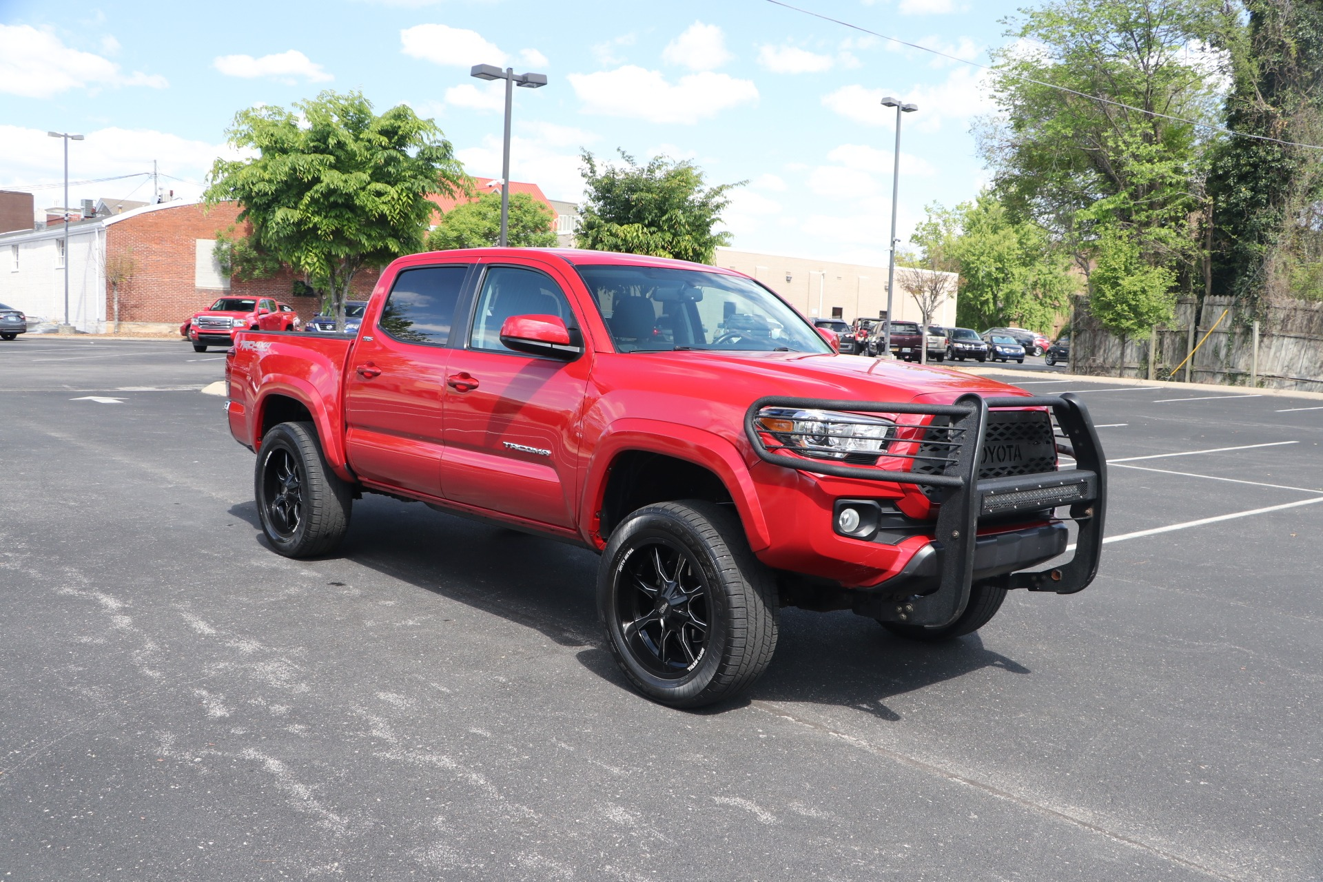 Used 2017 Toyota Tacoma SR5 4WD for sale Sold at Auto Collection in Murfreesboro TN 37130 1