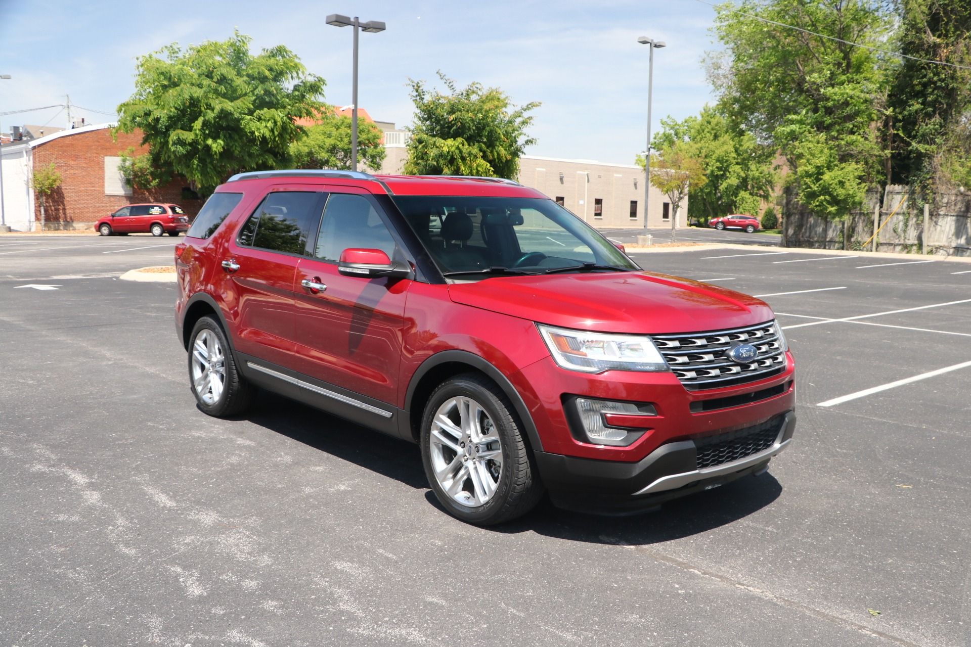 Used 2016 Ford Explorer Limited for sale Sold at Auto Collection in Murfreesboro TN 37130 1